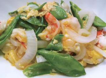 JAあわじ島の特産品レシピ「たまねぎとさやえんどうの卵とじ」
