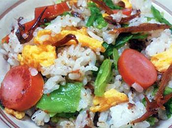 JAあわじ島の特産品レシピ「釘煮入りレタスチャーハン」