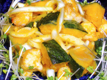 JAあわじ島の特産品レシピ「揚げカボチャと鶏肉の三杯酢和え」