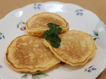JAあわじ島の特産品レシピ「ホエイとにんじんのホットケーキ」